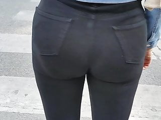 Even in a black jeans her arab ass was damn big