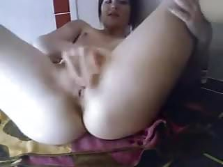 Webcam cutie plays with pussy and ass!