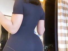 Yung Miami twerking