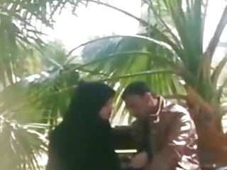 Cheating arab wife caught...