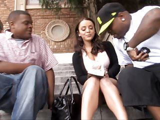 Liza del sierra picked up guys...