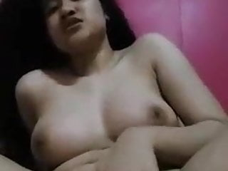 Assami cute girl showing in selfie to lover new leaked