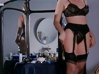 Fermo Posta Tinto Brass scene di nudo Erika Savastani