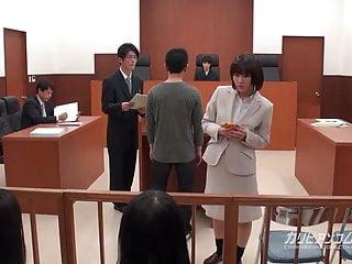 亞洲律師必須在法庭上交工作