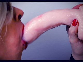 Sissyboy sue deepthroat a huge toy 3...