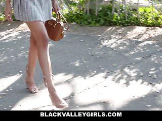 BlackValleyGirls Sexy Teen ruba il fidanzato delle ragazze bianche