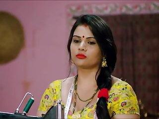 सेक्सी इंडियन कॉलेज गर्ल मेट्रो में अपनी भावपूर्ण जांघों को दिखाती हुई