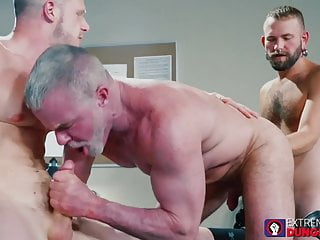 Two gay studs bend over for wild fisting...