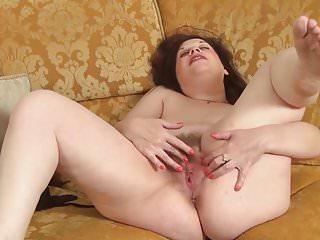 Mature Babe Masturbating