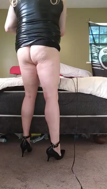 Amateur Wife Handjob Blowjob