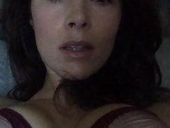 20191224200550 Abigail Spencer amadora mature brunete solo
