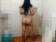 Bathing bhabhi fucked hard in bathroom
