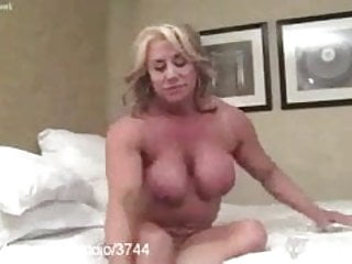 Muscular Women at Clips4sale.com