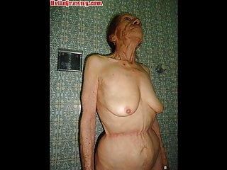 Hellogranny pictured naked...