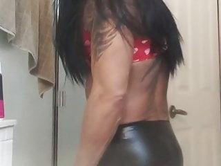 Sexy Kiki playing