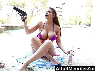 AdultMemberZone Pervy neighour viene arrestato