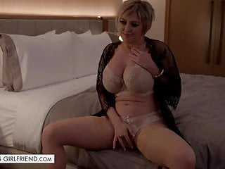 Tonights Girlfriend - Dee Williams is the hot milf