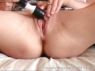 Paige Fox Maturbates To Satisfying Pulsing Orgasm Up Close