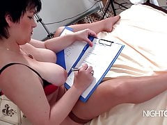 Casting MILF mit Happy End Tittenfick