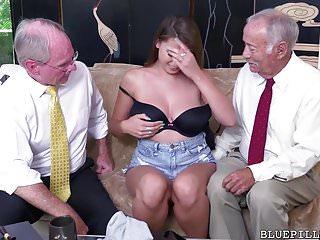 Ivy Rose viene scopata dal vecchio nonno