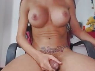 Gorgeous tranny with a hot body
