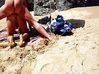 Lisa et sparrow dogging style beach...