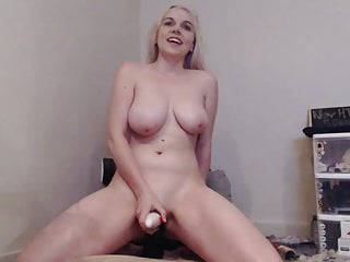 amateur dildo busty with blonde