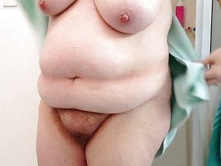 bbw wife drying her hairy pussy,tits,belly before bed