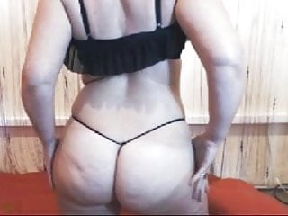 That ass sooooo sexy...