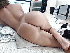wonder milf masturbating her creamy pussy until squirtfree full porn