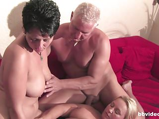 Bi plays with their twats in foursome...