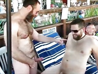 PUBLIC SEX: Deep KISSING-BB-CUM FOUNTAIN From HJ-HEAD LICK