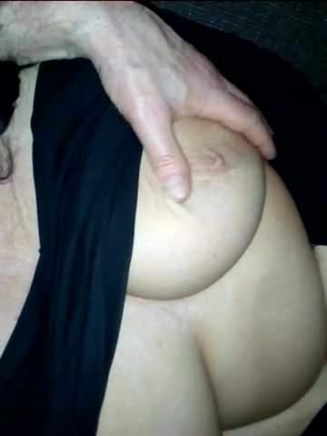 Riesige Amateur-Titten Cumshot