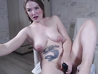 Mature woman caresses her working hole