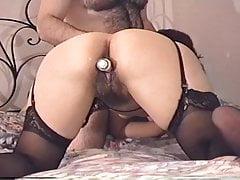 Mica Fernandez desodorante en 4 y arrodillada CULAZO