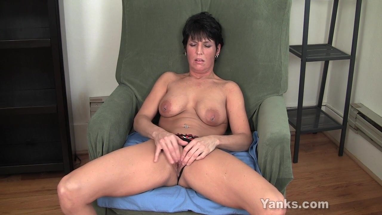 Amateur wife first anal orgasm