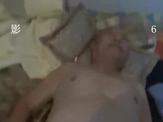 aisian young man fuck old grandpa