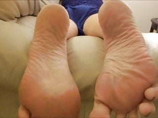 Do you like big feet??