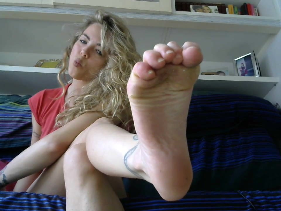 Barefoot JOI with Blonde Cam Girl