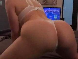 White twerking...