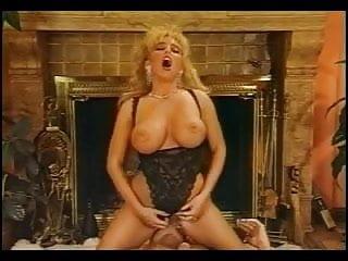 Sandra Scream - Classic Busty Babe
