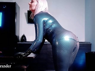 Latex Rubber Catsuit Hot Video MILF big ass sexy girl free