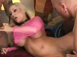 Davia Ardell MMF threesome