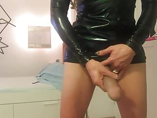 German masturbates on cam...