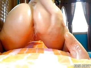 Big naked oily pawg ass grinding...