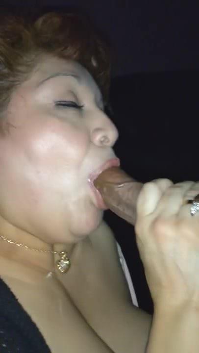 Rae Lynn a făcut-o orală chiar înainte de a cumpăni