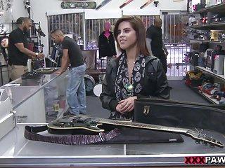 Pawnstar incontra una rockstar XXX Pawn