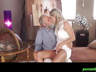 Mature Cfnm Orgasm vid: granddaughter came to visit grandfather 720
