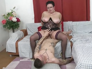 Mature bbw mom licked and young son...