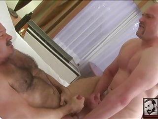 Hot Muscle Boy Fucks Bottom Daddy Bear